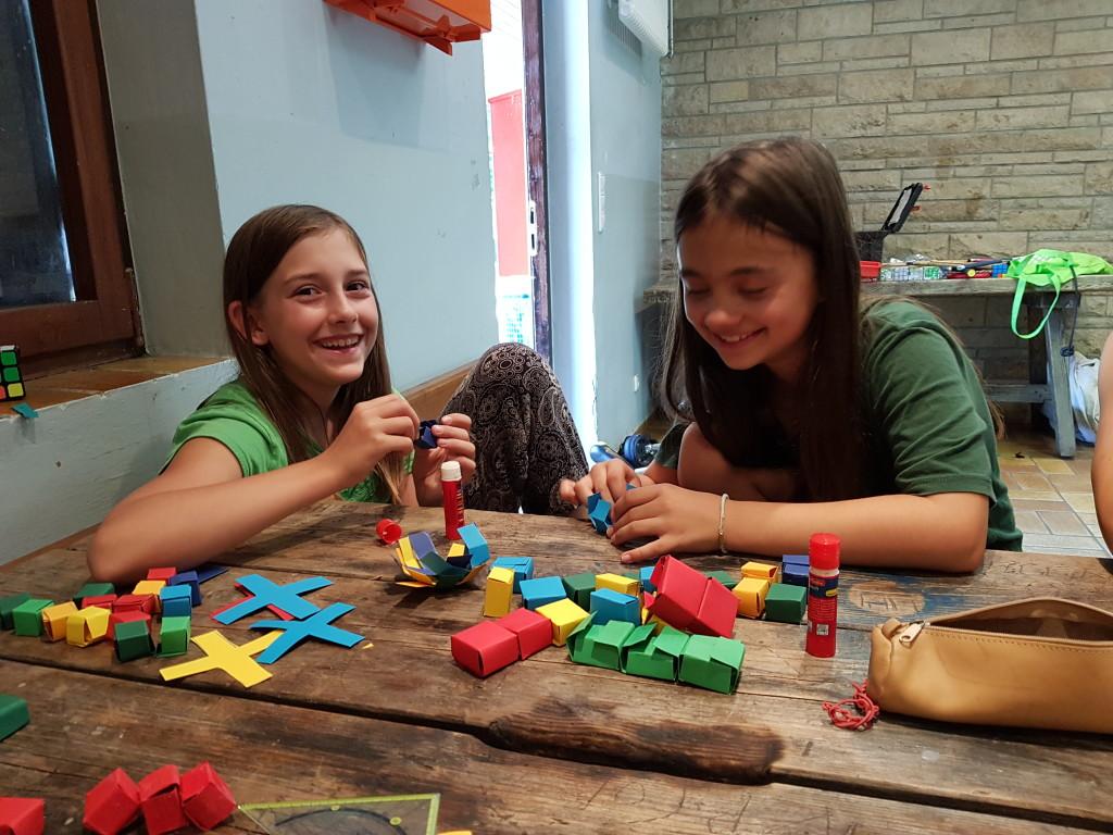 Kreativ sein und basteln mit Kindern während Corona